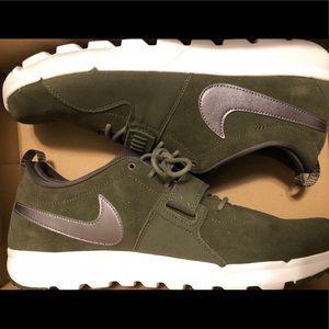 Nike SB Trainerendor L - Suede Size 14